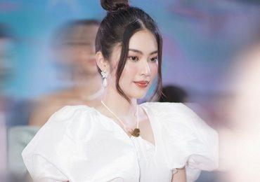 Lệ Nam khoe nhan sắc rực rỡ trước khi bước vào cuộc thi Hoa hậu Hoàn Vũ