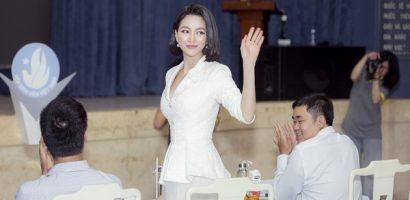 Hoa hậu Phương Khánh khoe nhan sắc vạn người mê, đầy khí chất trên 'ghế nóng'