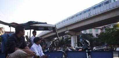 Tàu Cát Linh – Hà Đông nhìn từ đường phố